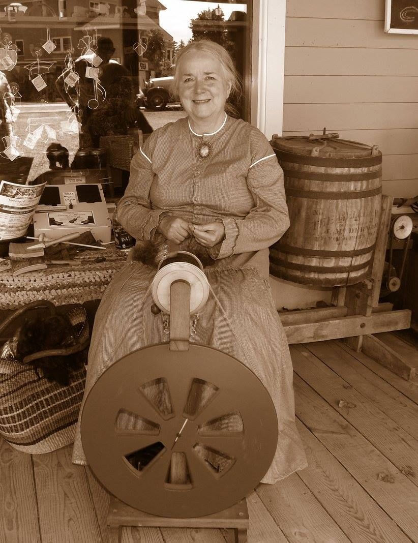 Laurie Muhlbauer spinning